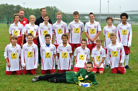 A soccer sports club <br>is sponsored by KOLARZ